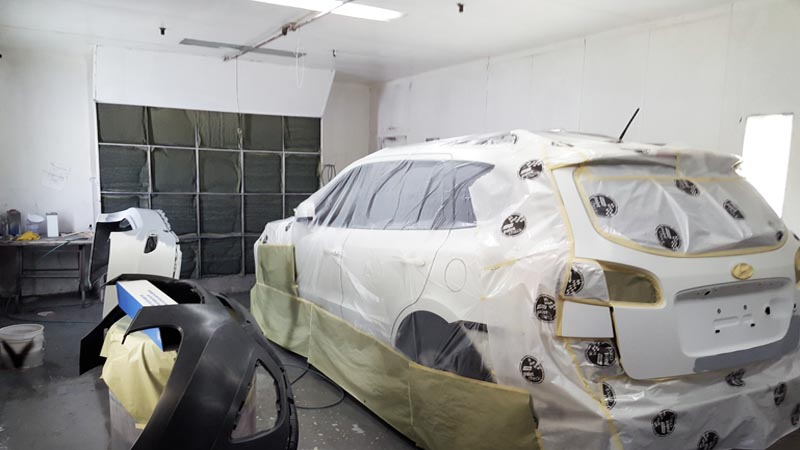 painting SUV hatch back